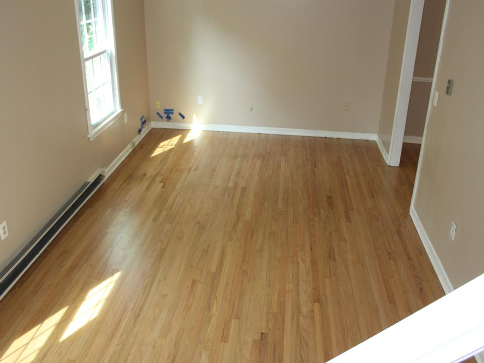 STAINED LIVING ROOM OAK FLOOR AFTER